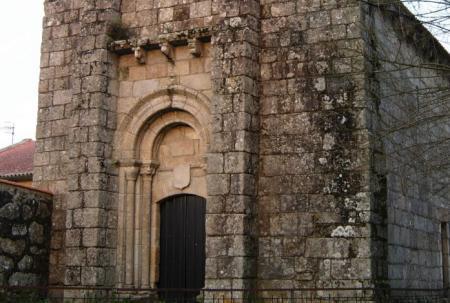 http://www.amigosdelromanico.org/apli2011/fotos/11100/11005_1.jpg